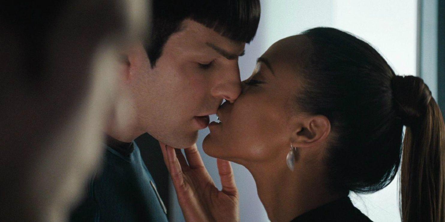 Star Trek: Uhura Almost Kissed Spock, Not Kirk | CBR