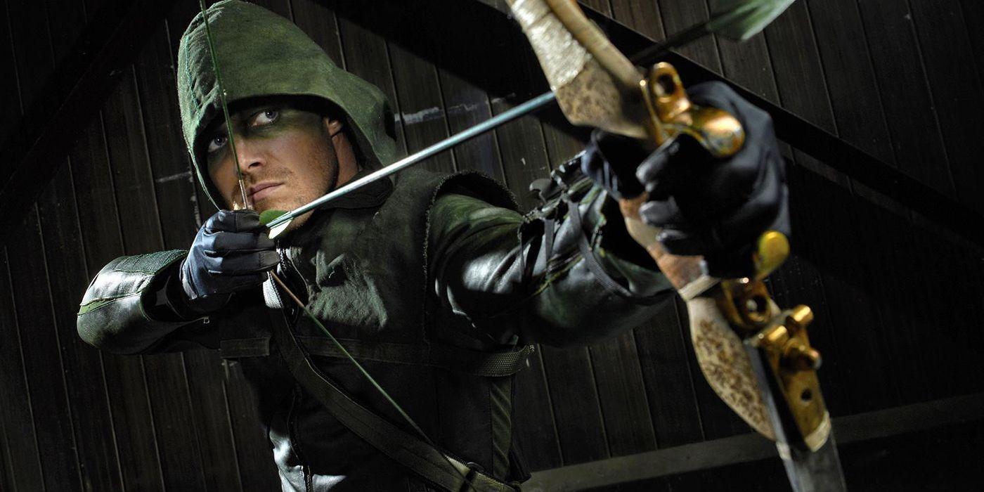 Arrow: John Barrowman Returning for Final Season | CBR