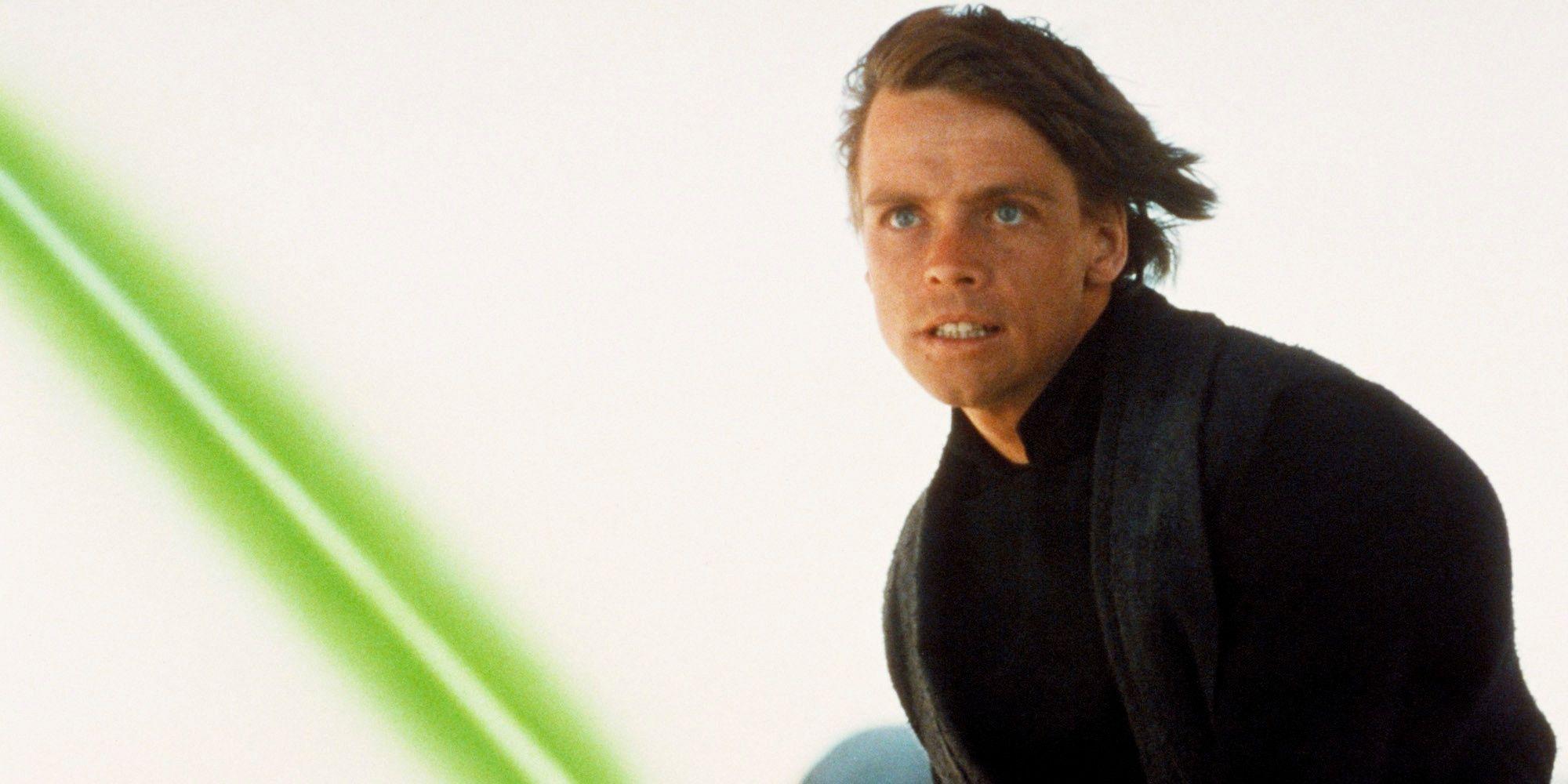 Mandalorian Fans Are Convinced Luke Will Answer Baby Yoda's Signal