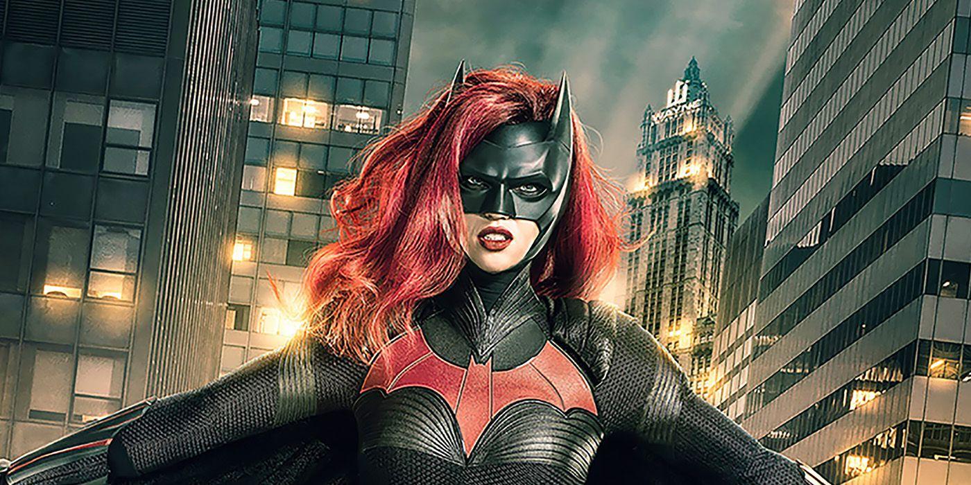 Batwoman Stylized Trailer Breaks Down Season 1's Conflict | CBR