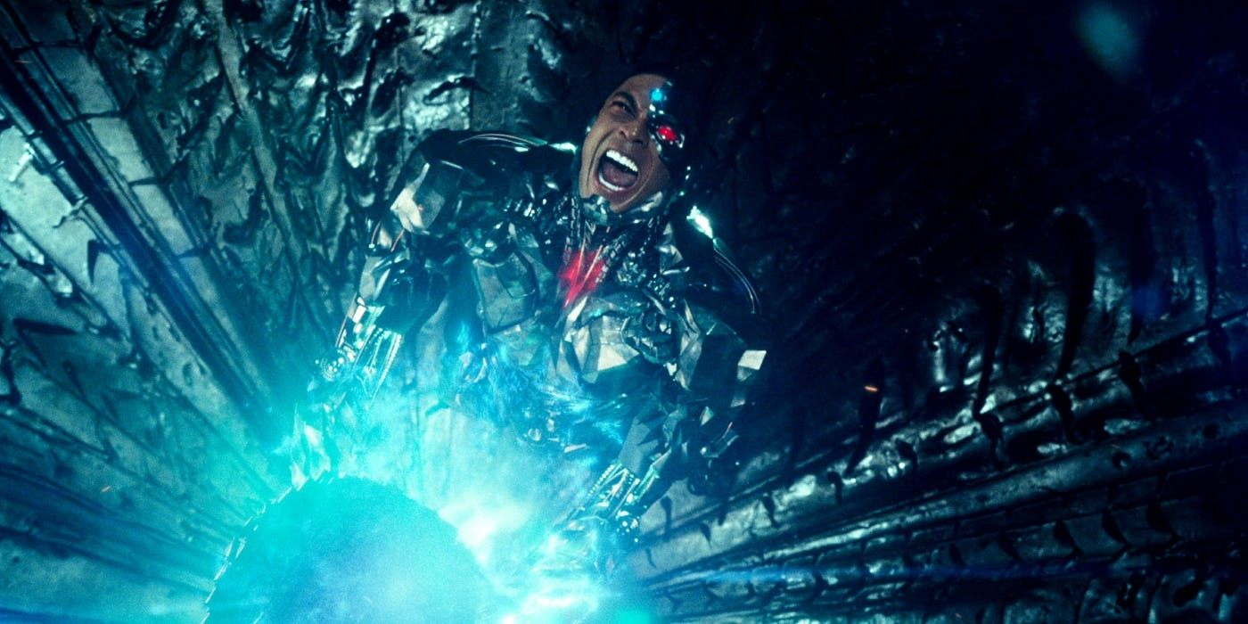 Justice League's Zack Snyder Reveals a Major Limit to Mother Box Abilities