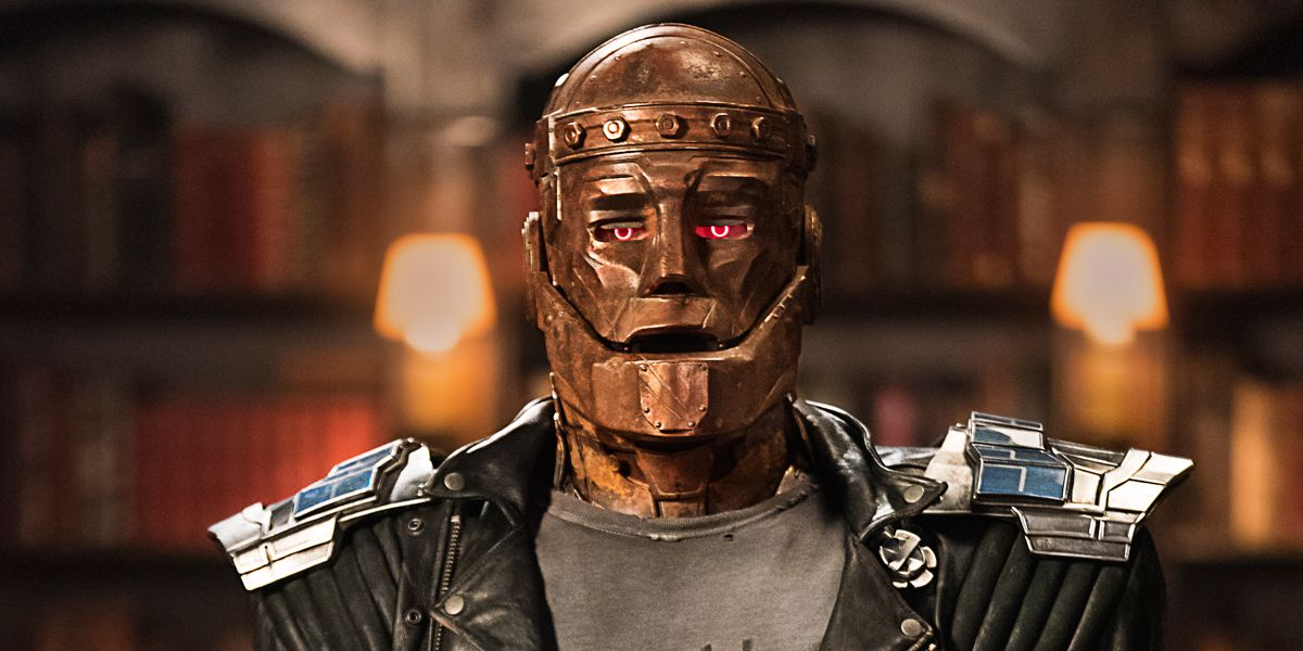 Doom Patrol Brendan Fraser S Robotman Is The Brains Of The Operation