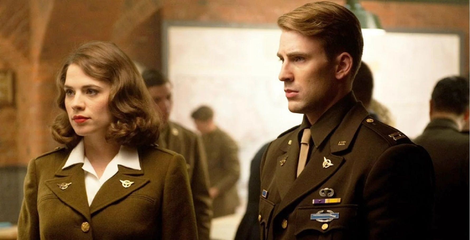 MCU: 5 Reasons Steve Was Right To Stay With Peggy (& 5 It Was Selfish)