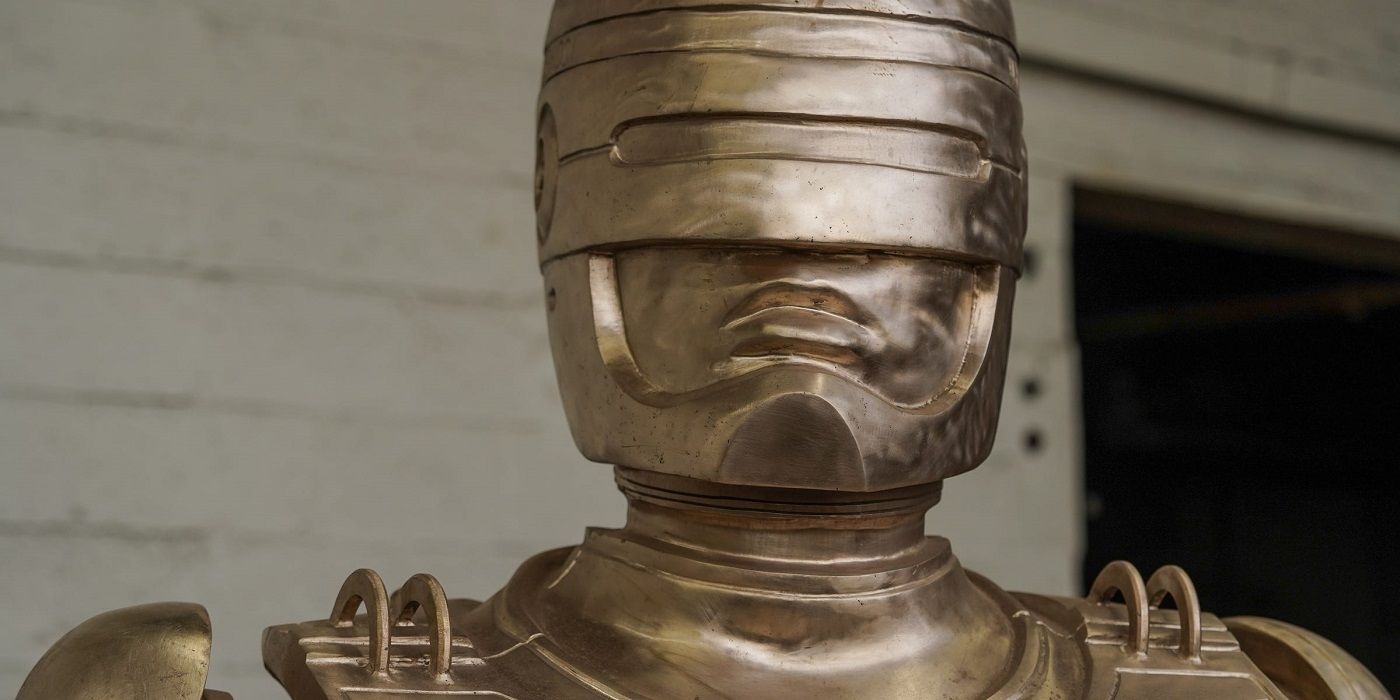 Detroit's Crowdfunded Robocop Statue is Finished - And MASSIVE
